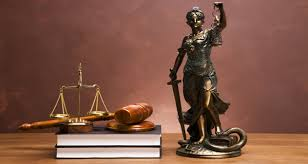 Услуги юриста в Киеве. Зачем компании штатный юрист?