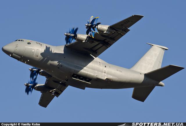 Фото: Ан-70 — среднемагистральный грузовой  самолёт нового поколенияФото: Ан-70 — середньомагістральний вантажний літак нового покоління