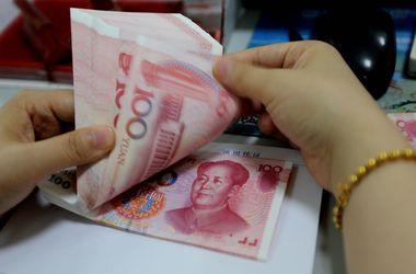 В Китае рекордно вырос курс доллара