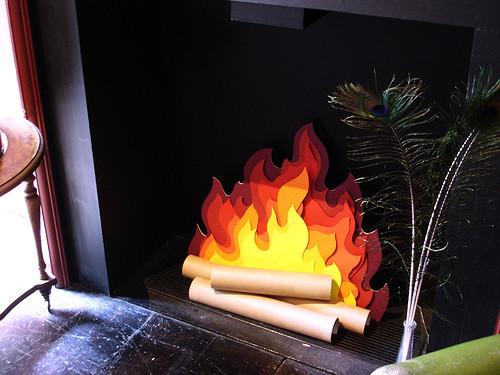 Как сделать из бумаги костер