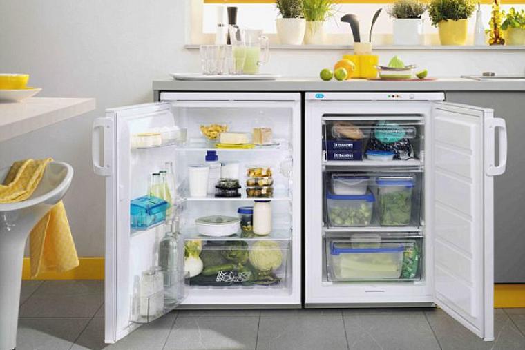 холодильник в маленькую кухню