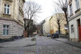 Строительство гостиницы на 9 месяцев изменило движение в центре Львова
