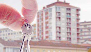Почему квартиры на вторичке лучше покупать без мебели и ремонта?