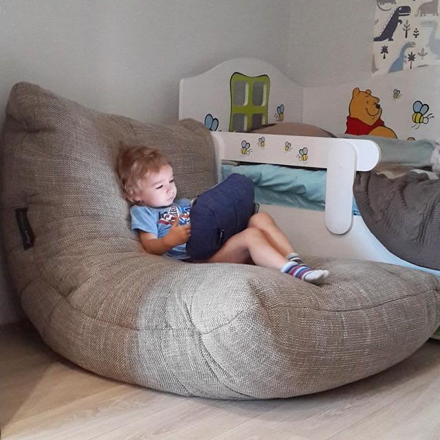 бескаркасный диван для мальчика